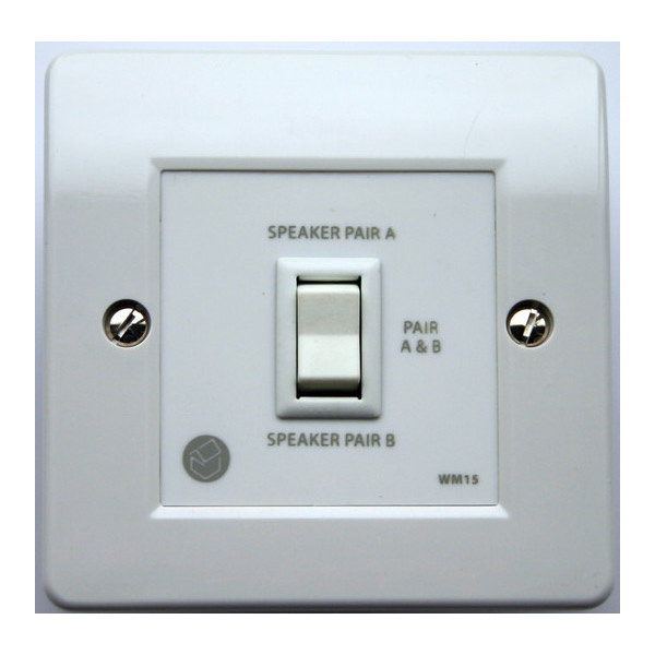 QED WM15 2 Way Parallel Wall Mounted Switch - CyberSelect